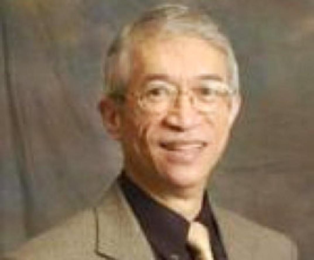 Dr. Eduardo L. Roberto, PhD